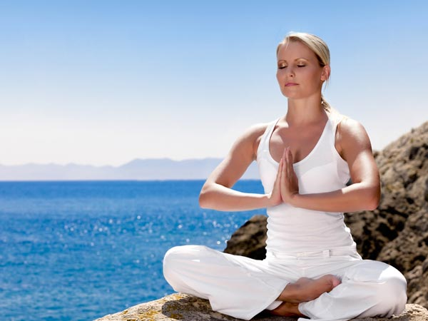 x20-yoga-concentration-200712.jpg.pagespeed.ic.wZrVkFCR3F
